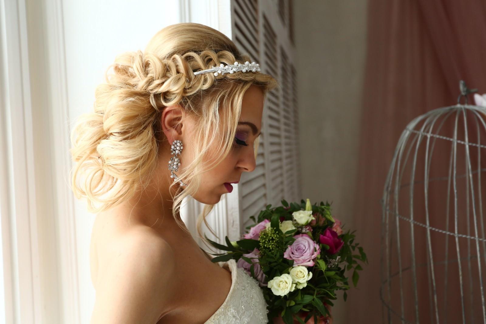 невесты фото причесок первый