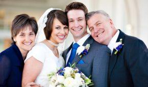 Миниатюра к статье Что дарят на свадьбу родители невесты